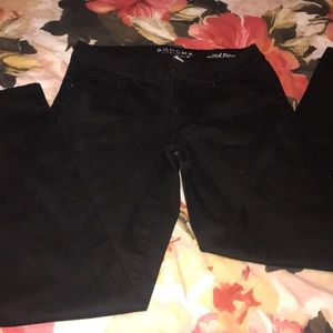 NWOT women black jeans .. size 6